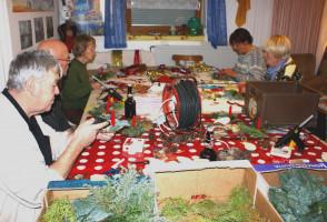 2012: Adventsgestecke basteln ...