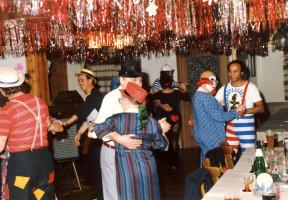Faschingsbälle des SPD-Ortsvereins sind legendäre Feste! - 1986